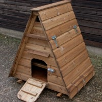 Chicken Coop Review: Ellies Hen House (for 3 to 4 Hens)